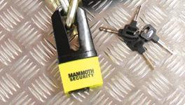 Mammoth 'Maxi' Shackle Disc Lock & Free Disc Lock Reminder